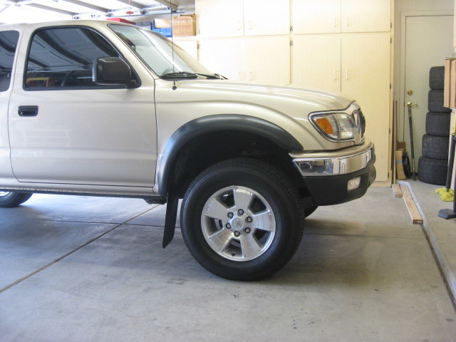 02 tacoma With 2010 wheels & old tires 001.jpg