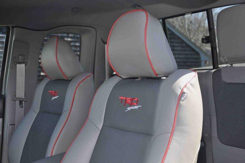 2-Front Seats.jpg