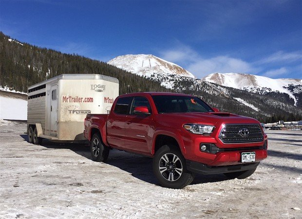 2016-toyota-tacoma-ike-towing-620x450.jpg