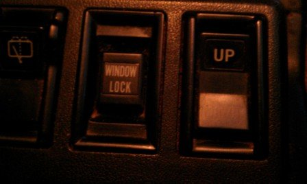 86543d1313945730-rear-window-switch-brok_7c4e3dc24b51f46be785db353054f964e91070cb.jpg