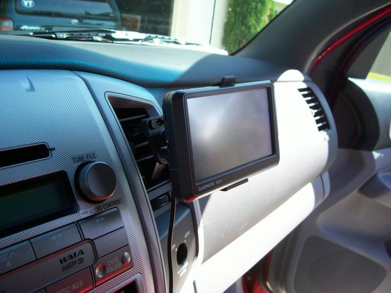 GPS Air Vent Mount.jpg