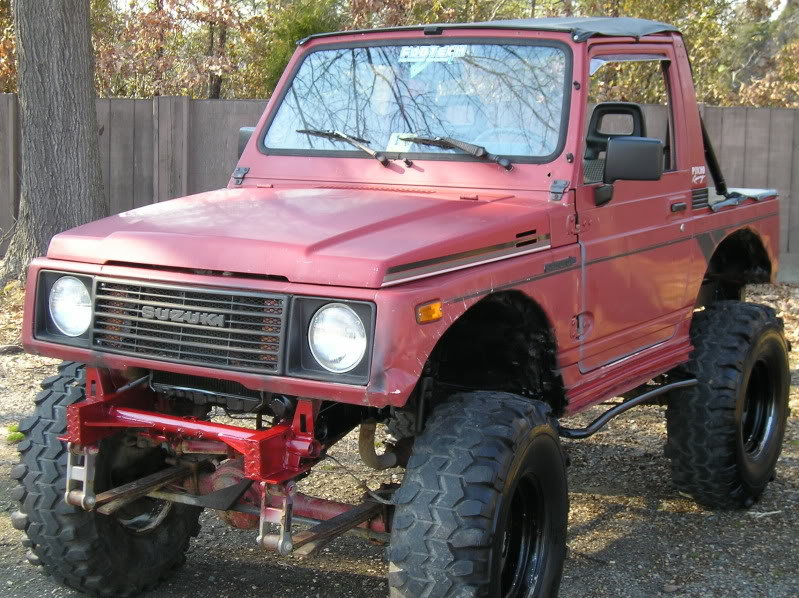 Suzuki Samurai on 33
