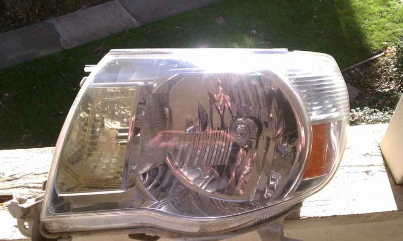 R headlight.jpg
