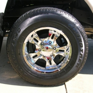 16x8 Cruiser Alloy wheels w/ Factory Tires