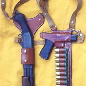 870_short_pistol_shoulder_rig