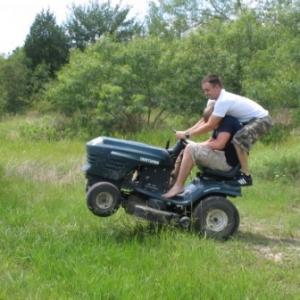 Lawn mower wheely
