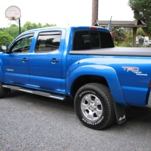 07 blue toyota tacoma