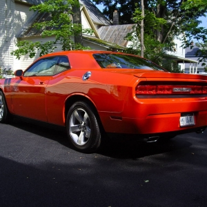 09 DODGE CHALLENGER 5.7 6SPD HEMI ORANGE