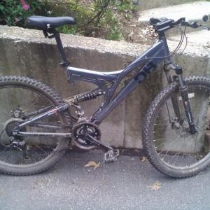 my mountain bike. 07 diamondback coil EX
