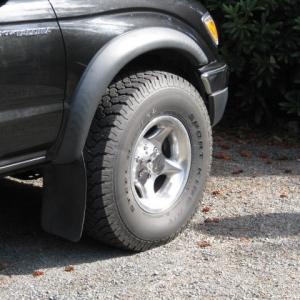 truck_an_truck_wheels_009