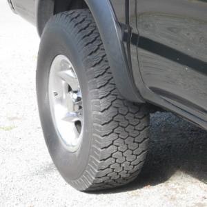 truck_an_truck_wheels_007