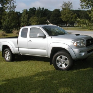 05 Taco 4X4 TRD Sport (Original) Right Front