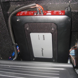 Pioneer 4-channel 600 watt amp
