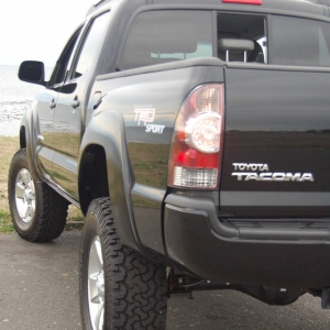 """09 Double Cab TRD Sport Manual 3"""" Lift BFG 285 Leather"""