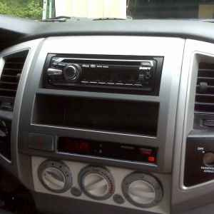 dash kit from tacotunes, and xplod radio with hd radio