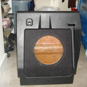 different angle on the sub box in the factory box