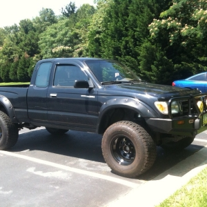 98 2.7L  Manual Nitto Bushwacker Toytec KC Wheelers ARB