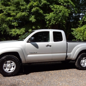 2010 Tacoma with 265-75-16 Dura Tracs two