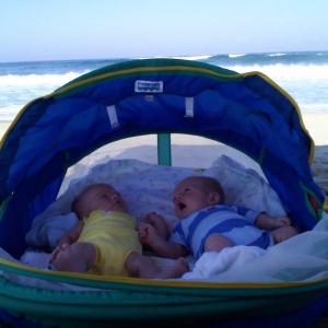 twins @ nags head 8/2010