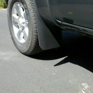 Trimmed front flaps