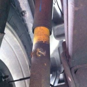broken rear shock2