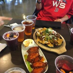 Buffalo wings and nachos