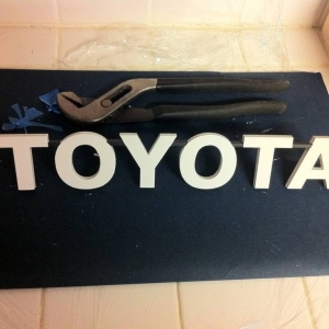 Metal Miller TOYOTA grill letters