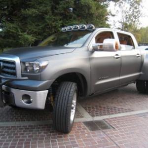 toyota-tundra-diesel-dually