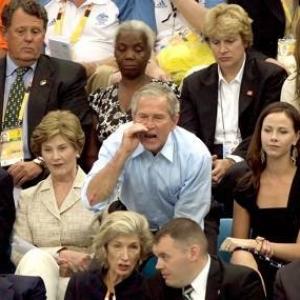 Bush_yelling_at_hot_dog_guy