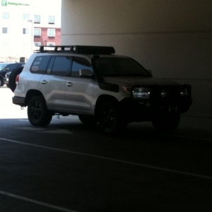 :drool: ARB bumpers front and rear, rear tire carrier lifted land cruiser a