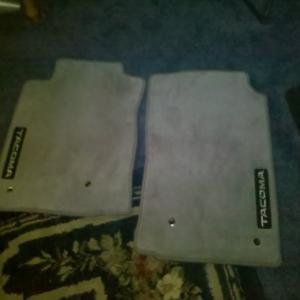 tacoma_floor_mats