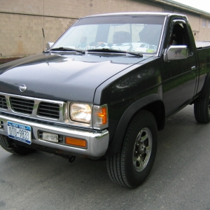MY $400 Hardbody.  SUPERB truck  ZERO issues.