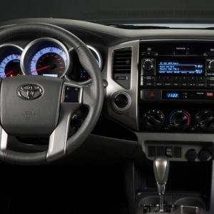 2012_Toyota_Tacoma_2