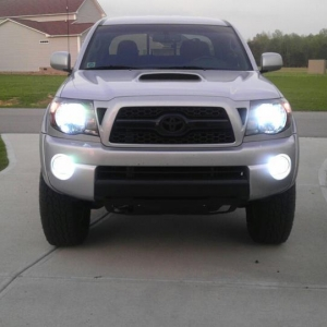Painted valance/skid plate--with HID's this weekend