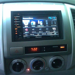 Pioneer TouchScreen DVD Headunit