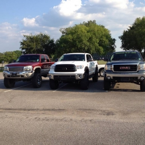 Lifted_Trucks