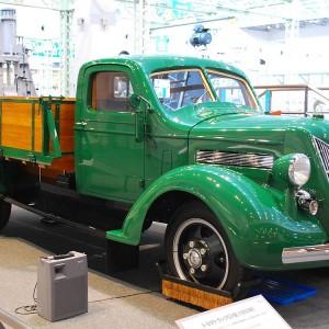 1200px-1935_Toyoda_Model_G1_Truck_01