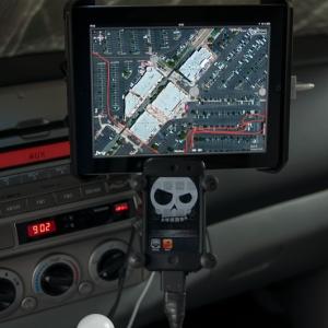 iPad + iPod dash mount