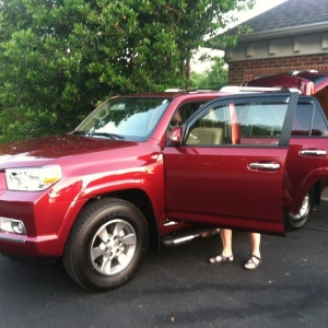 My mothers new ride (its a loaded SR5, off the showroom floor, not the lot)