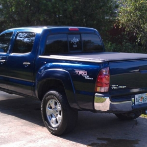 06 indigo tacoma DC Access Roll-up tonneau cover