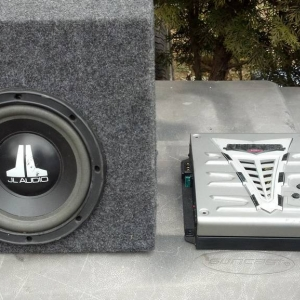 "JL 8"" sub with box for sale"