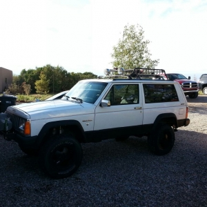 My new expedition rig 92 jeep just put a 4.5 lift on and droped a 350 in it