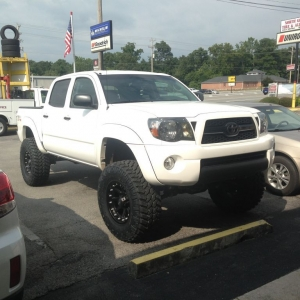 "New 6"" rough country and 35's!!!"