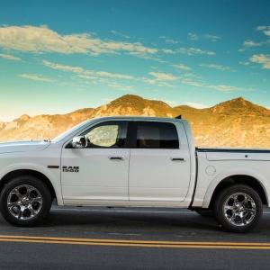 2014-Ram-1500-Laramie-EcoDiesel-side-profile