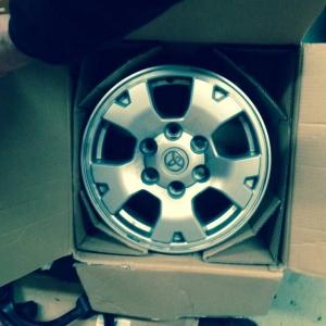 TRD_Offroad_wheels_1