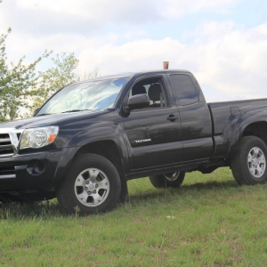 2009  Tacoma manual 5speed 4 cylinder