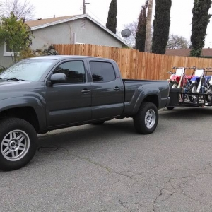 Tacoma_with_dirt_bikes