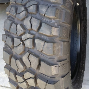 km2 tires
