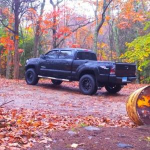 truck_at_lake_
