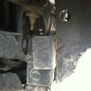 Accident-Bumper mounting braket